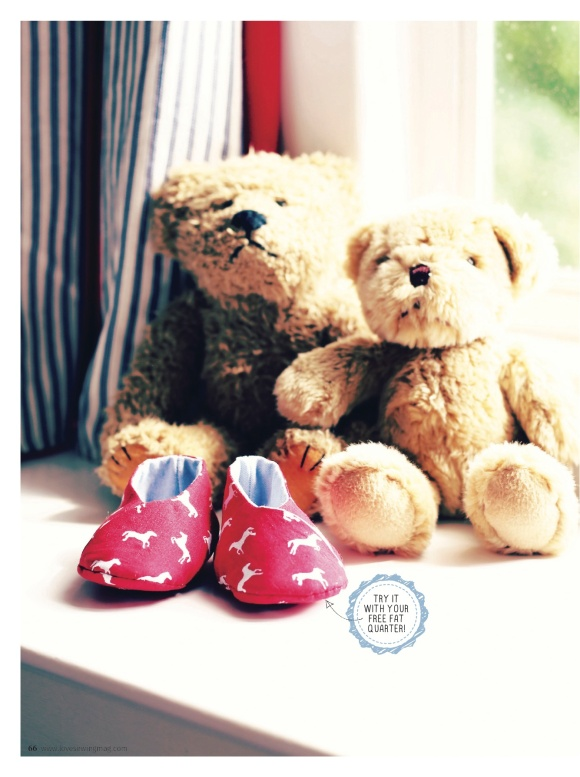 LS05.P66-67 Baby shoes