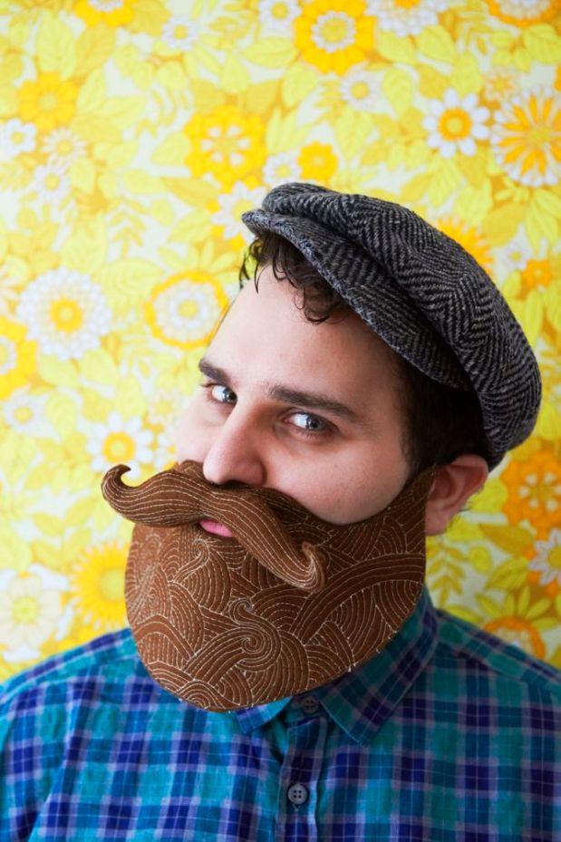 Create a beard from felt